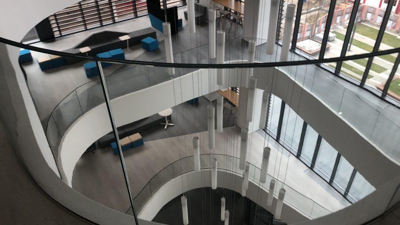 Balustrade curbe și drepte din sticla Extraclară laminată